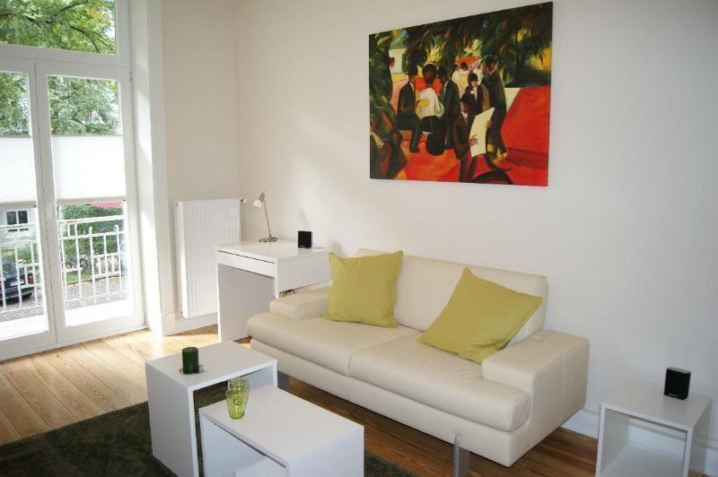 DSC00873 Sofa und Bild